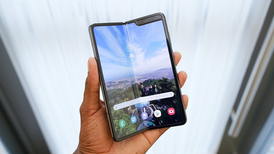 Samsung Galaxy Fold rischia di essere cancellato
